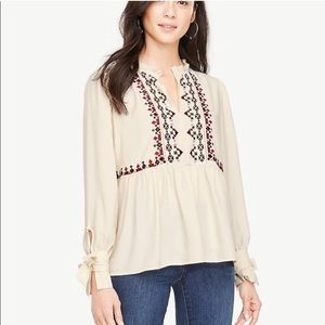 Ann Taylor Cream Peasant Blouse Embroidery 135